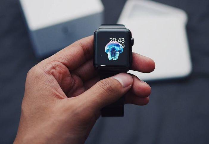 آیفون ۸ اولین گوشی آیفون با صفحه OLED به بازار آمد